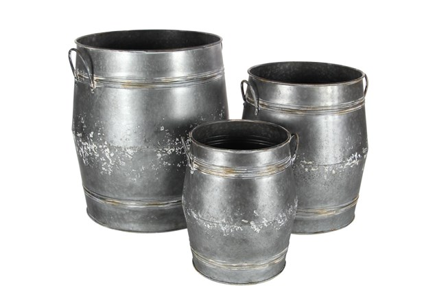 Grey 24 Inch Metal Planter Set Of 3 - 360