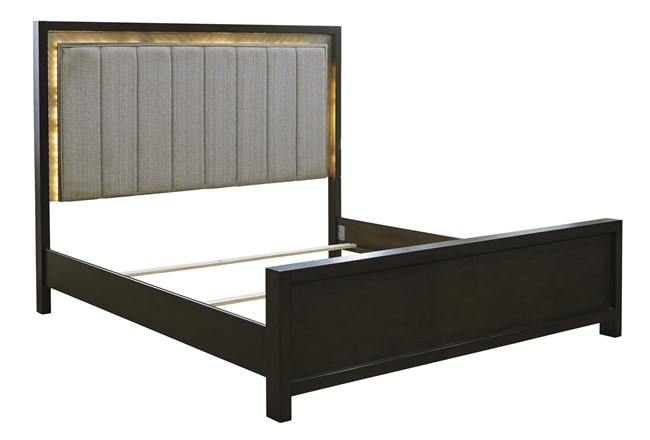 Maretto California King Panel Bed - 360