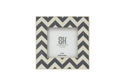 4X4 Grey + White Chevron Photo Frame