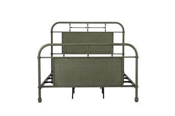 Cedar Falls Green Queen Metal Bed