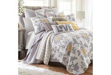 Full/Queen Quilt-3 Piece Set Reversible Paisley Design to Geometric Pattern