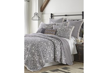 Full/Queen Quilt-3 Piece Set Reversible Medallions to Diamonds with Fringe