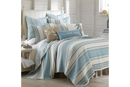 Full/Queen Quilt-3 Piece Set Reversible Stripes to Sea Horse Print - Main