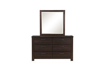 Niya Dresser